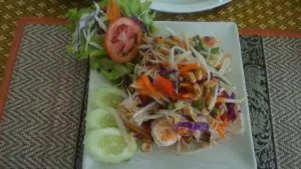 The popular Papaya salad.