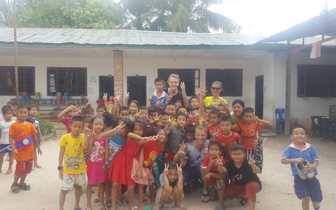 Laos Diaries: Days 10-14 – Teaching English