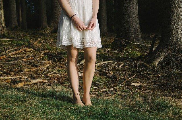 Parcours pieds nus enfant forêt