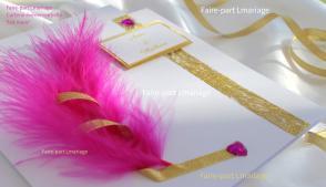 Faire-part mariage thème plume et diamants en blanc, or et plume fuchsia