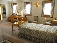 The Queen's bedroom. Prince Phillip has his own.