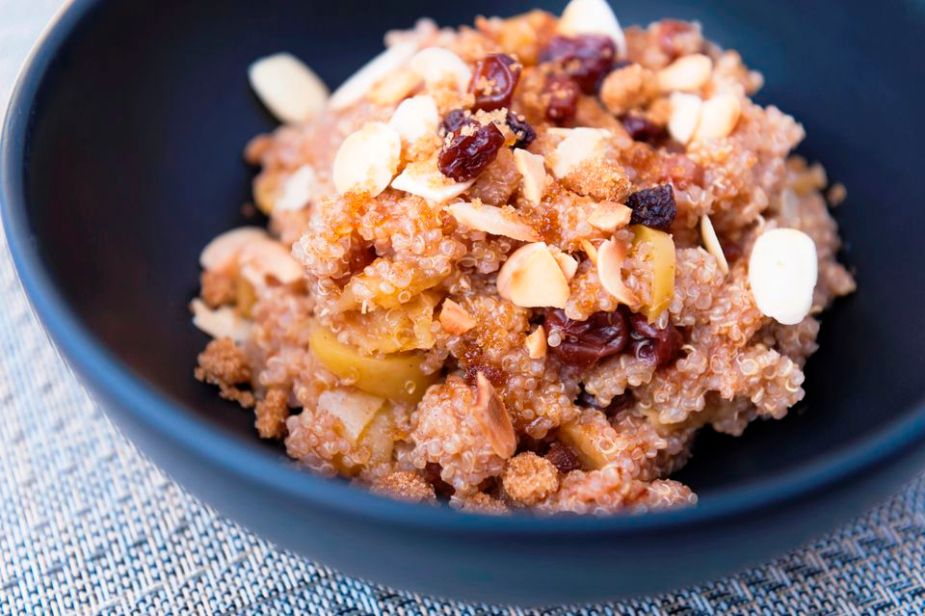 1-quinoa-breakfast-with-almonds-Jen-Grantham-56a9bf2a5f9b58b7d0fe9e7a.jpg