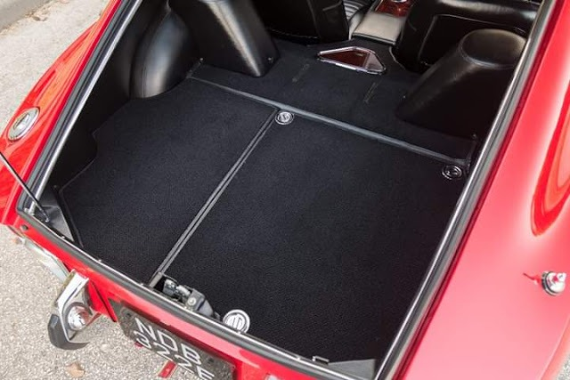 Toyota GT2000 was having a huge cargo area