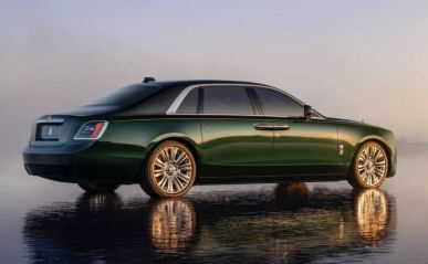 2021 Rolls Royce Ghost Extended green black color side rear view