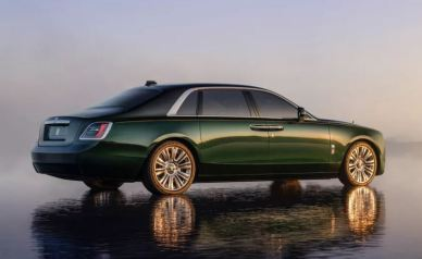 2021 Rolls Royce Ghost Extended green black color side view