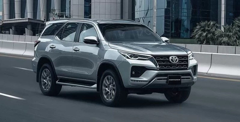 2nd generation facelifted toyota fortuner suv feature image