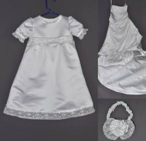 CG-ConwayP-christening-gown-for-a-niece