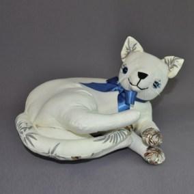 MA CAT 02 CURLING 02