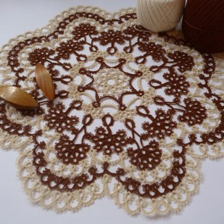 Vanilla and chocolate, tatting doily