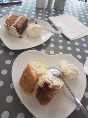 Victoria Sponge and carrot Cake