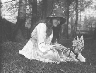 """Elsie and the Gnome"", de setembro de 1917."