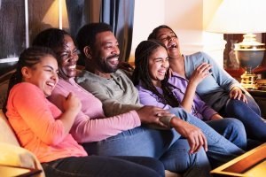 Read more about the article These Free TV Apps Will Let You Cut Cable but Keep Content