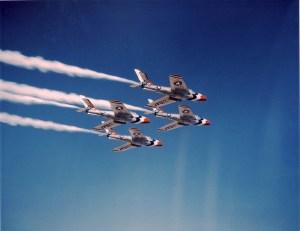 "Thunderbirds Republic F-84F ""Thunderstreak"""