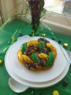 RECIPE: Baking a (very easy) Kings Cake