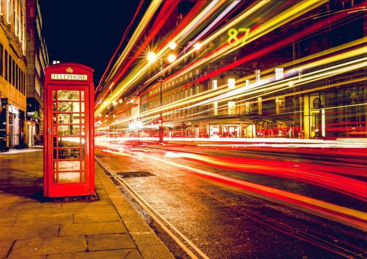 red-telephone-booth
