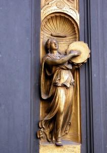 Singing Statue