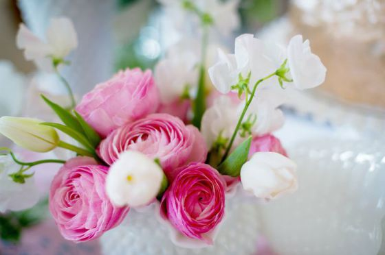 Valentine's Cake Rananculus Flowers - #YouSparkle Valentine's Day | Faith, Hope, Love, and Luck Survive Despite a Whiskered Accomplice