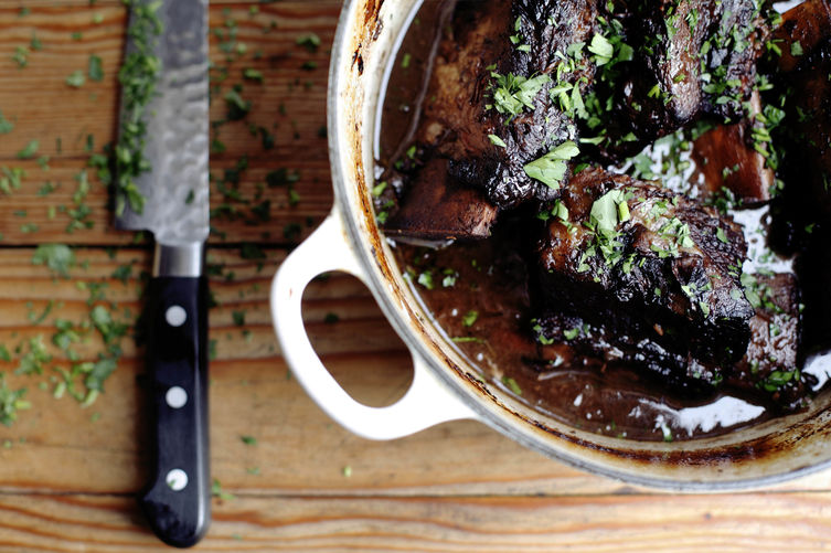 Short Ribs Braised in Red Wine and Vanilla | Faith, Hope, Love, and Luck Survive Despite a Whiskered Accomplice