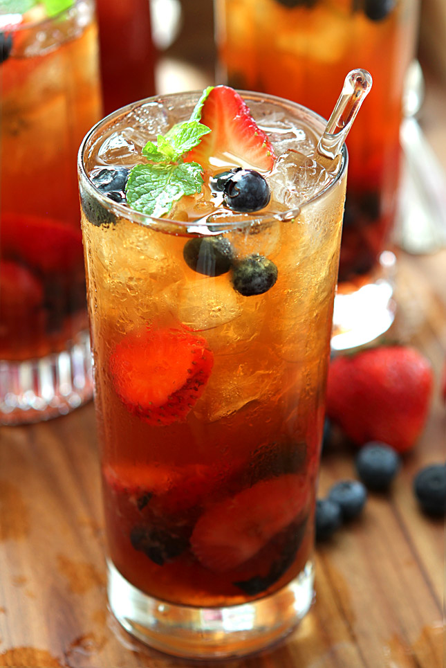 Very Berry Iced Tea with Honey Mint Syrup | Faith, Hope, Love, and Luck Survive Despite a Whiskered Accomplice