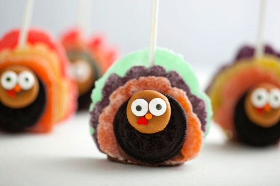 Oreo Turkey Pops | Faith, Hope, Love, and Luck Survive Despite a Whiskered Accomplice