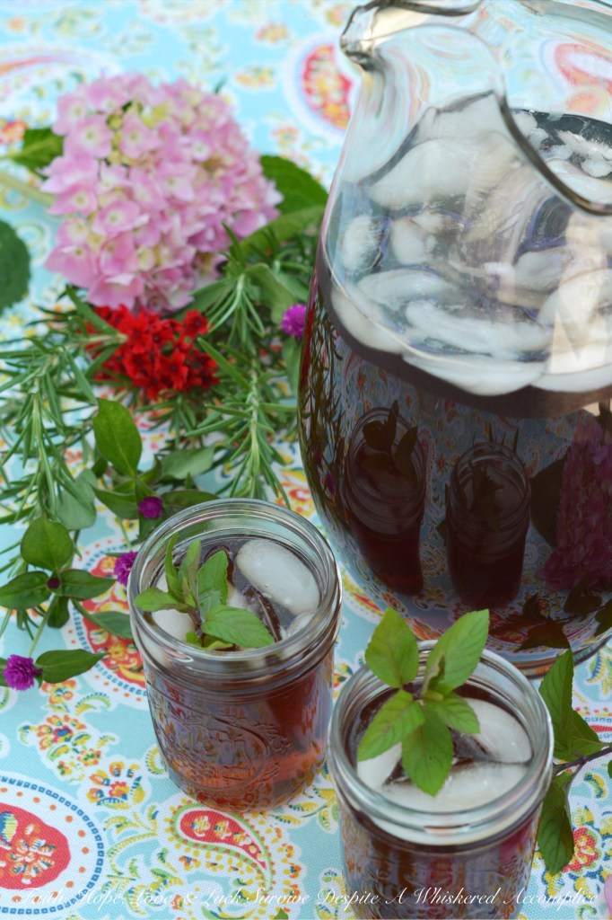 Summer Blueberry Crockpot Iced Tea | Faith, Hope, Love, and Luck Survive Despite a Whiskered Accomplice