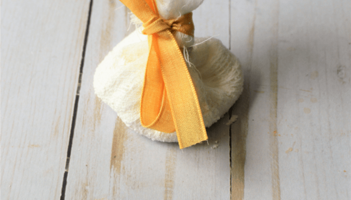 DIY cornstarch puff for working with fondant