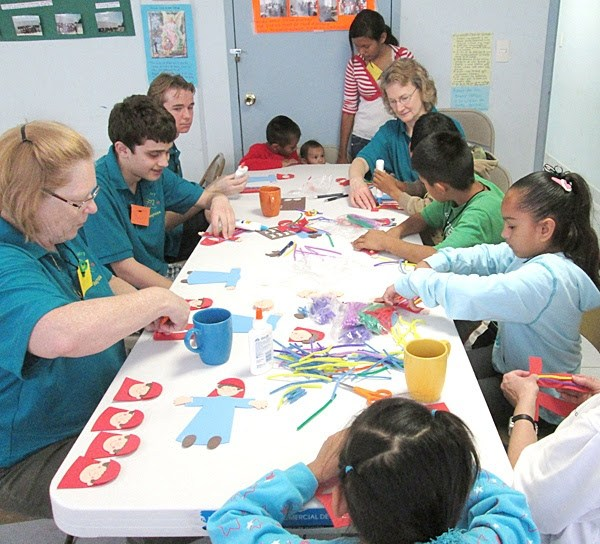 A team from Indiana helping with crafts in Reynosa