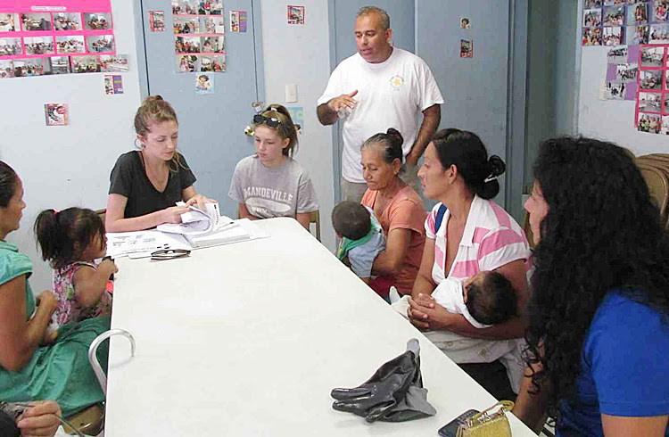 Teaching about nutrition in Reynosa