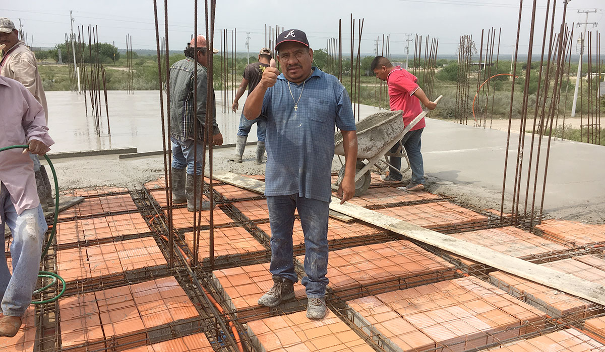Our foreman Luz on the roof of the community center in Miguel Aleman