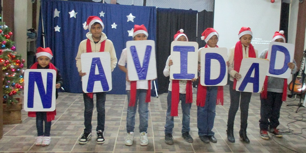 Kids at the Christmas fiesta in Naranjito