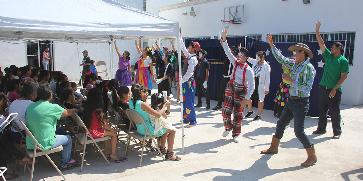 The students from Monterrey performing a skit for Childrens Day at the clinic in Reynosa