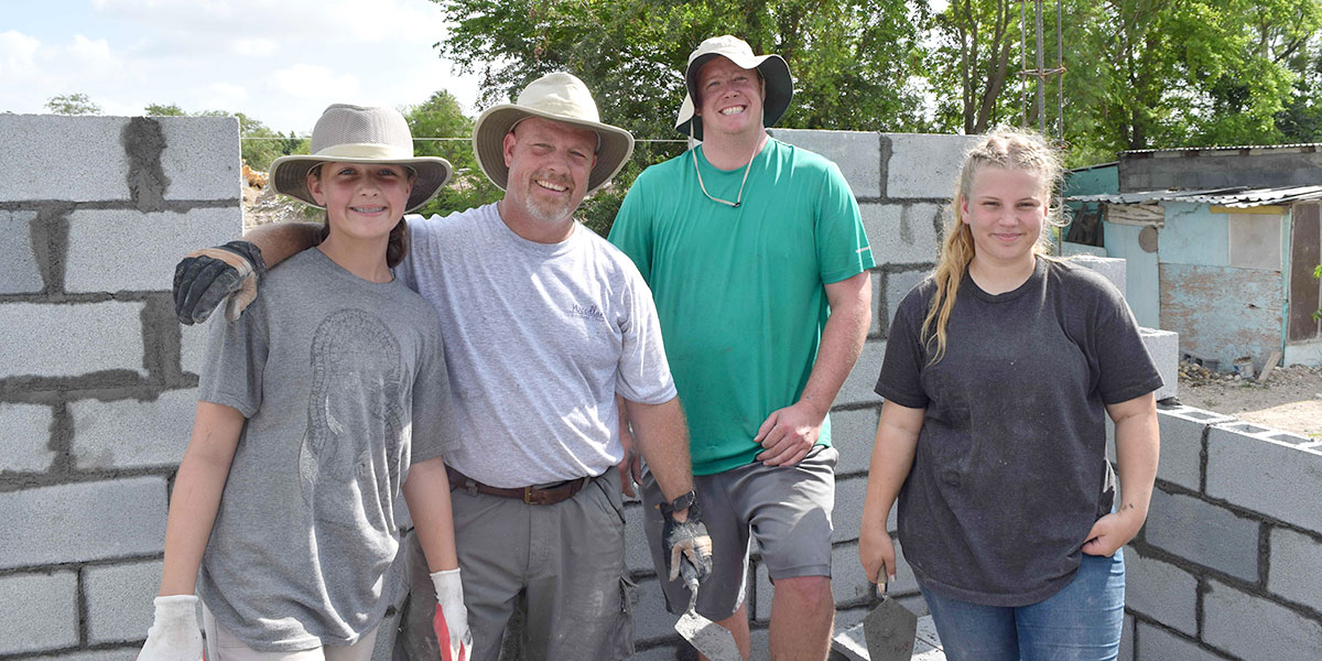 A team from North Carolina building a house for a family in need in Reynosa