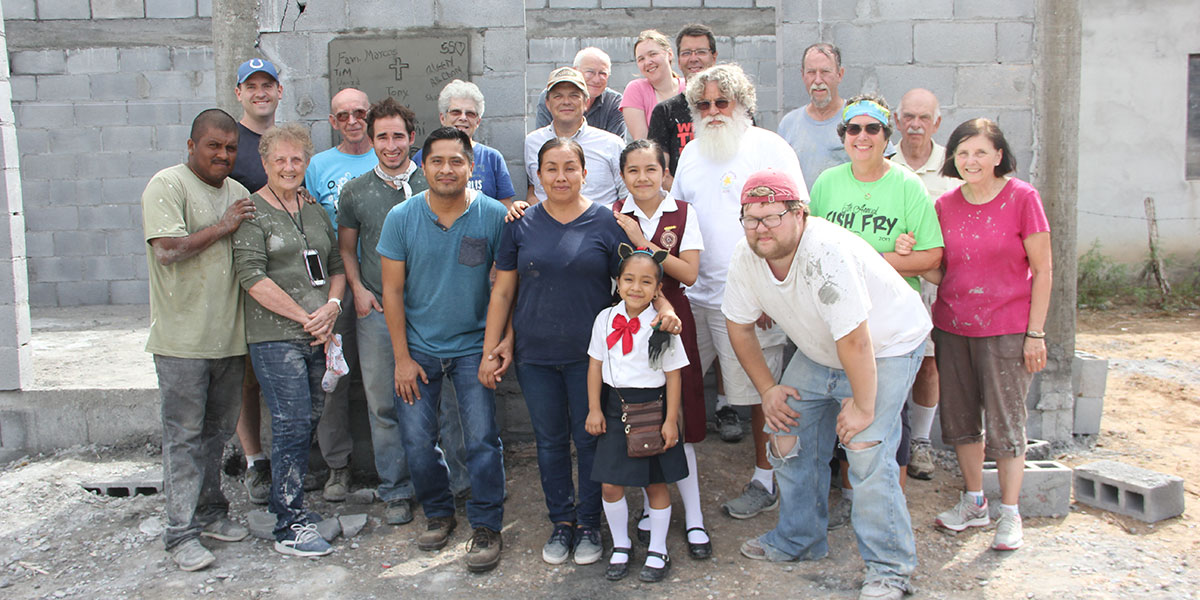 A team from Indiana and the family of Casa 23 in Reynosa