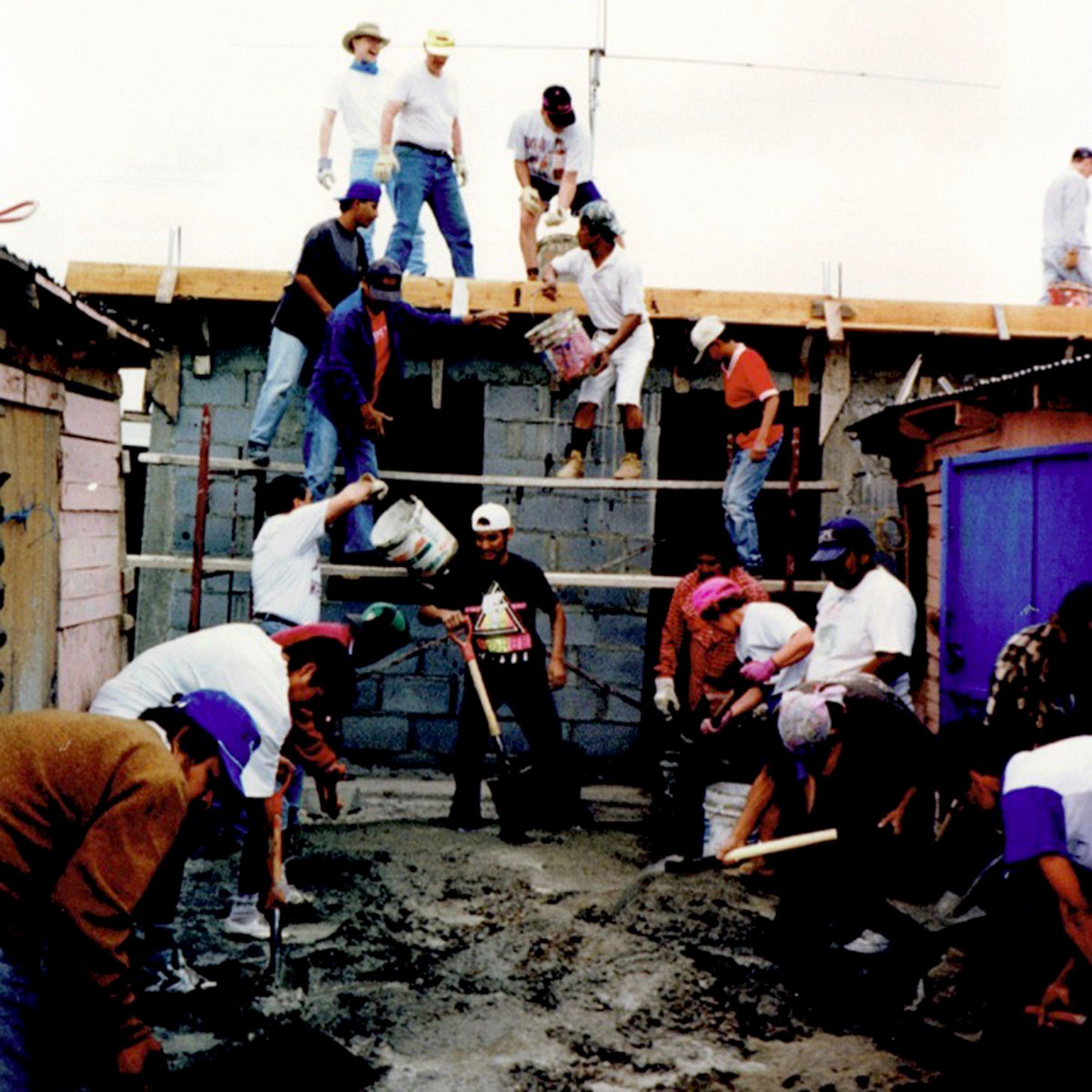 A team from Indiana pouring a roof in Reynosa in 1996