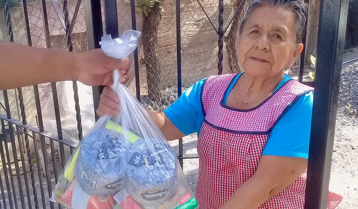Delivering grocery packages to families in Reynosa