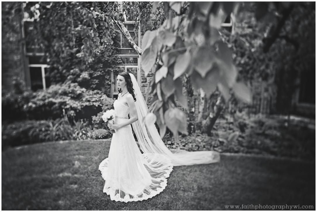 Jillian&Sean Wed_0489b_Wedding Photographers Madison WI