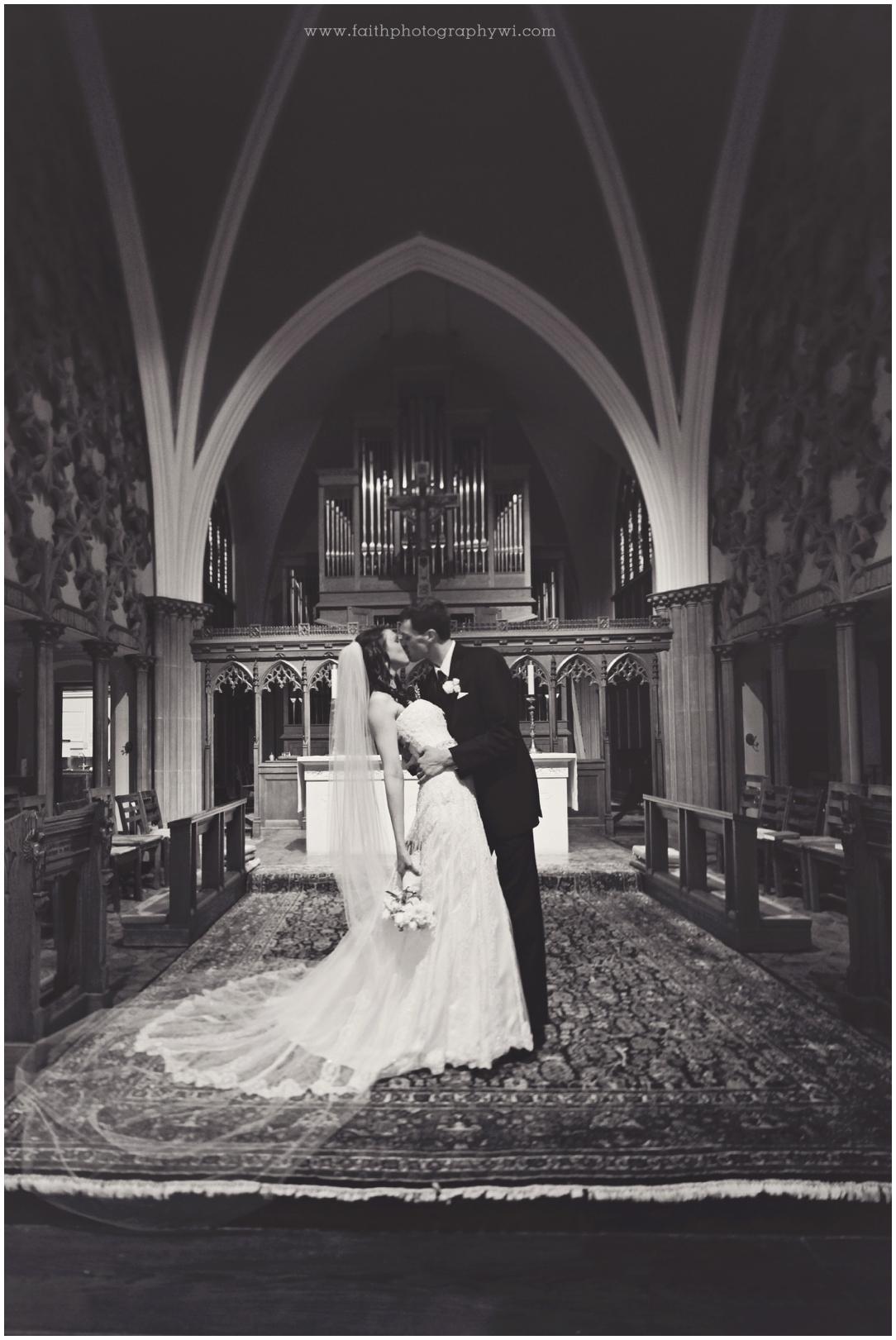 Jillian&Sean Wed_1344b_Madison Wi Wedding Photographer