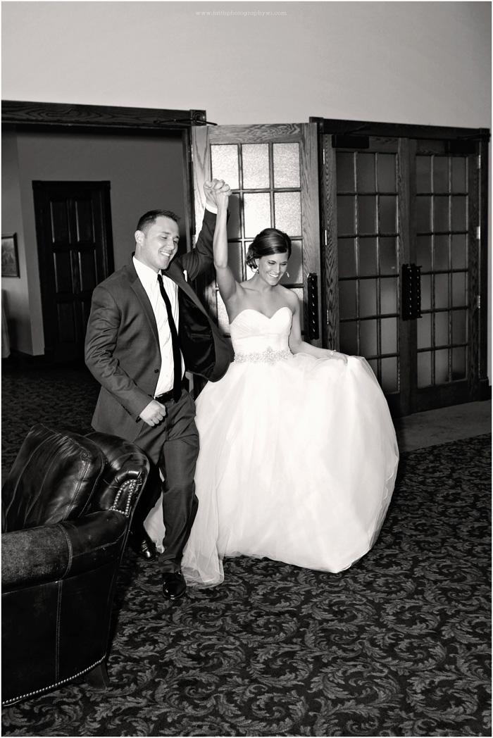 wedding-photographers-waukesha-wi_0076