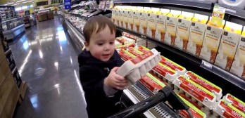 2 year old grocery shopping