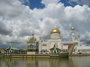 Omar Ali Saifuddin Mosque-Brunei (1)