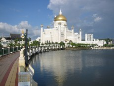 Omar Ali Saifuddin Mosque-Brunei (6)