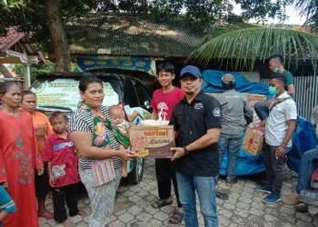 Uniku Salurkan Bantuan untuk Korban Banjir Indramayu