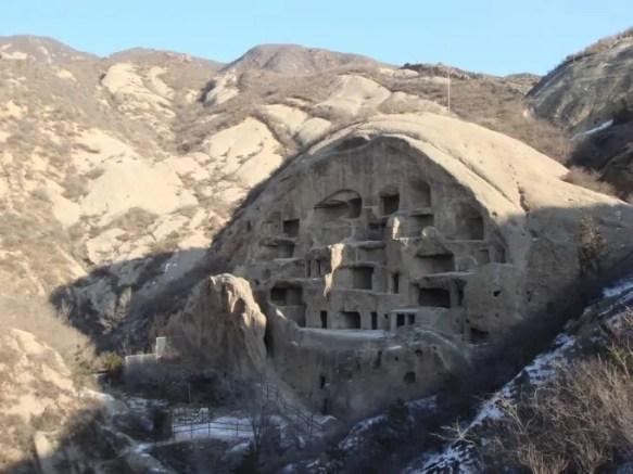Znalezione obrazy dla zapytania chińczycy w jaskiniach