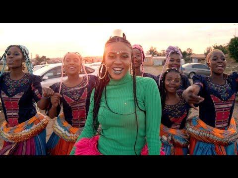 VIDEO: Sho Madjozi & PS DJZ – Dumi Hi Phone