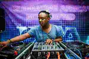 DOWNLOAD MP3: Shimza Live from Cafe Del Mar Ibiza Mp3 Download