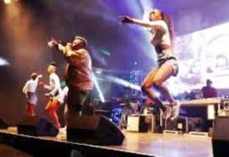 Dlala Thukzin Naba Laba Ft. Dladla Mshunqisi & Zulu Mkhathini Live by Dladla Mshunqisi Video Mp3 Download