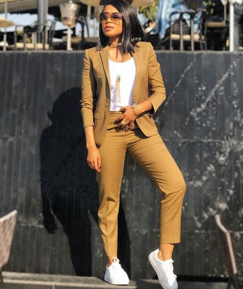 Lerato Kganyago Claps Back At Twitter Troll For Laughing (9