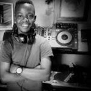DJ E Small Ft. Phola, Mr Jaive Syndrome – Gratitude