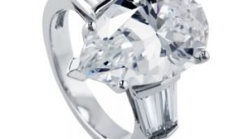 3 gorgeous pear shaped cz engagement rings that look real - Cubic Zirconia Wedding Rings That Look Real