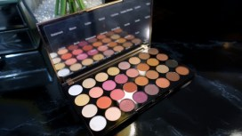 makeup-revolution-flawless-4-palette